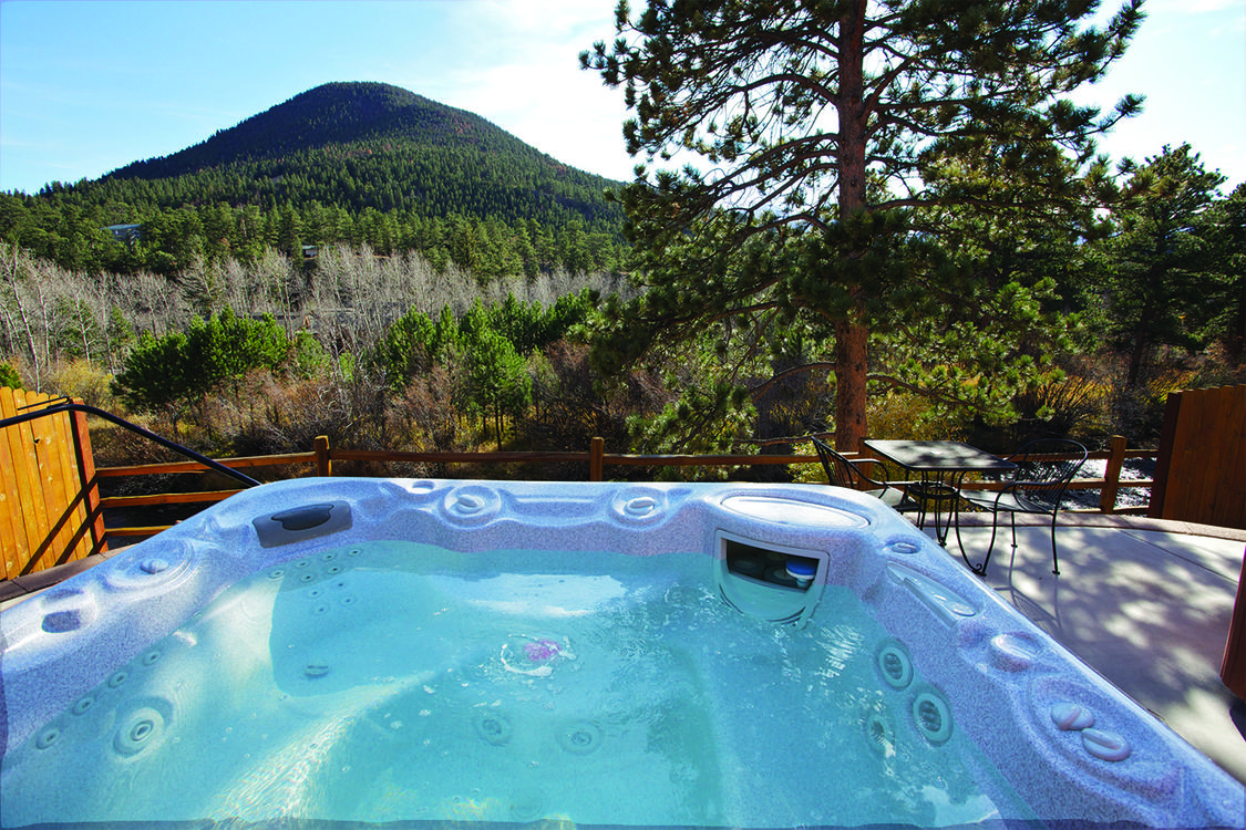 Hot Tub at Beaver Brook on the River