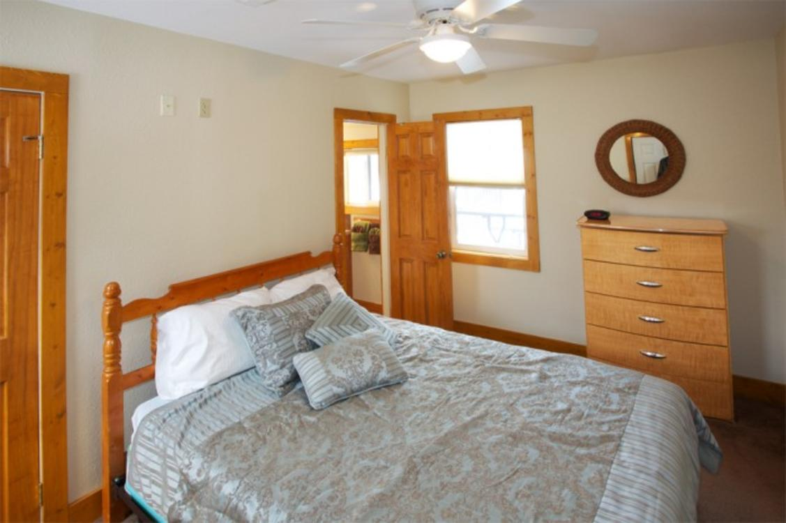 Lake Trout House Large Bedroom
